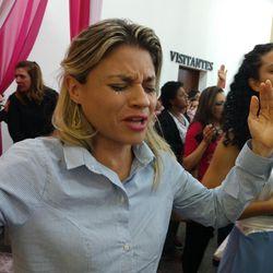 Lilian Lopes se apresenta em congresso de MG